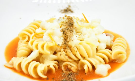 Fusilloni ad insalata di baccalà: la ricetta dell
