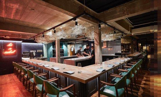 Il social table del ristorante Gaggan Anand