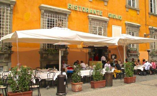 Giglio a Lucca