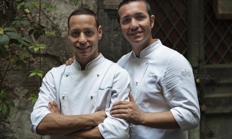Gino Sorbillo, a destra, col fratello Antonio