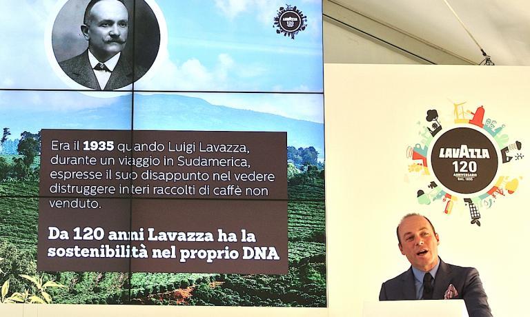 Giuseppe Lavazza durante la presentazione del prim