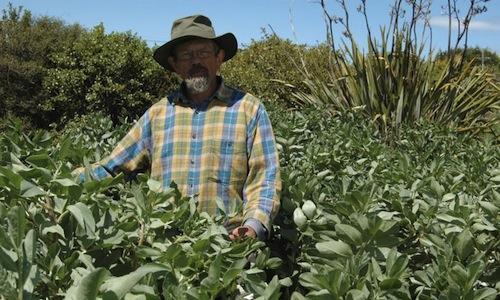 Jim O' Gorman, neozelandese di Kakabui, isola sud, (fotoooooby.ning.com), è fondatore dell'organizzazione sostenibileDirt Doctor ed è uno dei protagonisti principali del documentario 'Earth Whisperers'.Isuoi prodotti sono richiestissimi da ristoratori e autorità