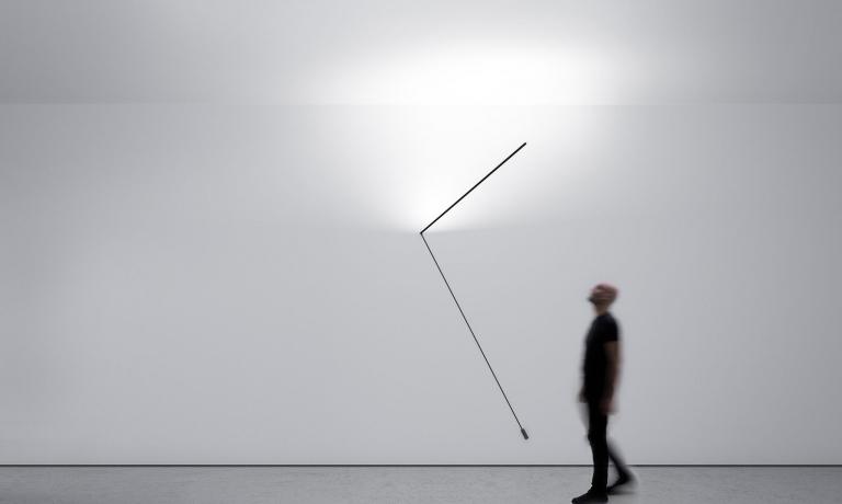 """Meridiana: un progetto di luce, ombra e...tempo. La collezione Davide Groppisi arricchisce di un altro """"Concetto Spaziale"""" dopo Nulla, Infinito e Pablo. Una presenza simbolica e sorprendente al tempo stesso"""