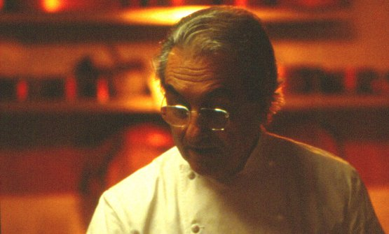 Gualtiero Marchesi ritratto durante una sua lezione ad Altopalato