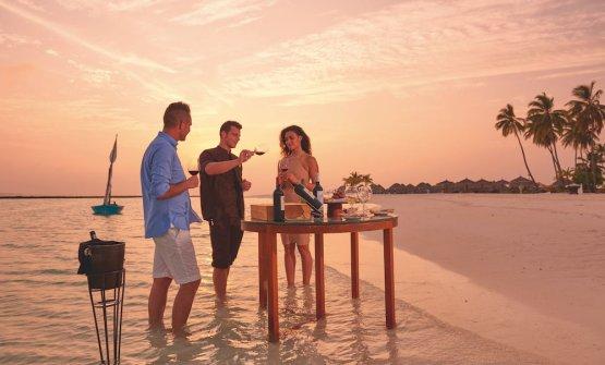 Maldive: tramonto, mare e ottimivini all'Hal