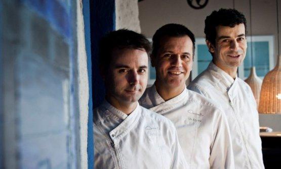 I tre chef fotografati nell'altro loro ristorante: Compartir, a Cadaquès