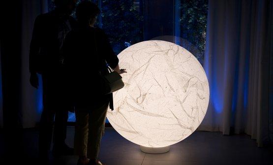 La lampadaMoon(2005) diDavide Groppia Identità Golose Milano