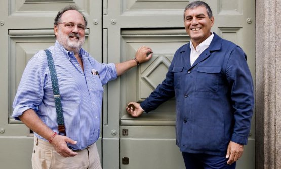 Paolo Marchi e Claudio Ceroni in front of the entrance of Identità Golose Milano, the first International Hub of Gastronomy in Via Romagnosi 3 in Milan (it will open before the congress)