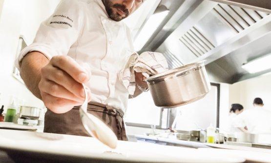 Lo chef Igor Macchia