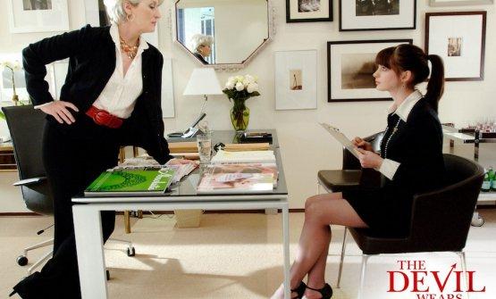 Meryl Streep, alias Miranda Priestly, e Anne Hathaway, Andrea Sacks il suo personaggio, in un momento di Il Diavolo veste Prada
