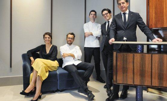 La squadra: oltre ai già citati Stefania, Alessandro e Fabio, anche il restaurant manager Nicola Dell'Agnolo e il sommelier Alberto Piras