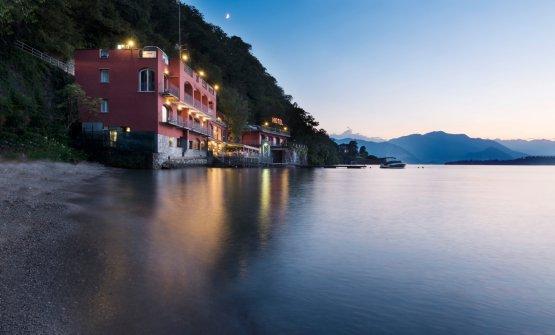 L'hotel affacciato sul lago