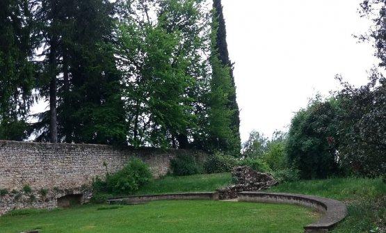 Il teatro romano nel giardino di Freya Stark
