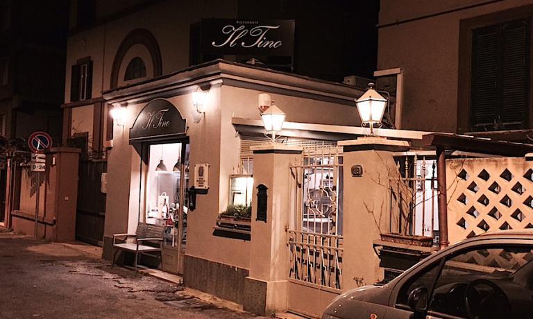 Inaugurata l'8 maggio di quasi dieci anni fa, primavera 2006, la sede storica del Tino, il ristorante stellato del Lido di Ostia sul mare di Roma, chiuderà i battenti sabato 2 aprile