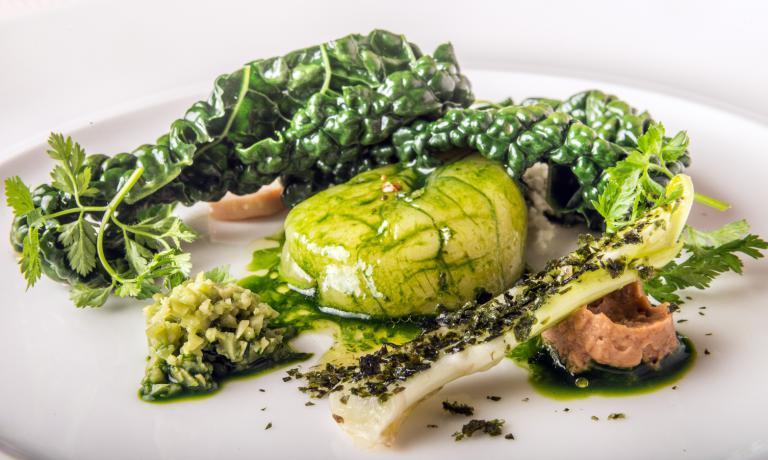 Insalata di rinforzo: ecco il piatto 2017 di Silvio Salmoiraghi, chef del ristorante Acquerello di Fagnano Olona (Varese)