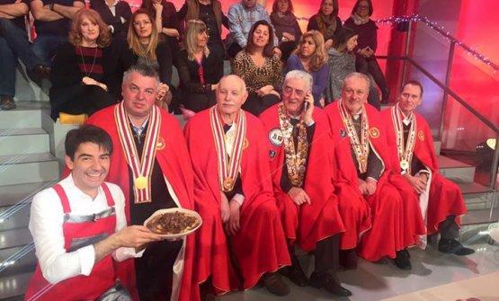 Lo chefSergio BarzettiaLa prova del cuococon i rappresentanti delMagistero