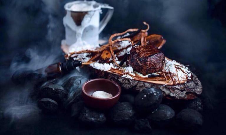 """That chilly Karelia forest (""""Quella gelida foresta di Karelia�) diAnton Abrezov, classe 1991, chef di Gras Madbaren einteressante talento della cucina di San Pietroburgo, una città la cui cucina d'autore stacrescendo paradossalmente grazie all'embargo nei confronti della Russia"""