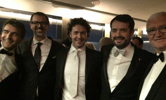 Antonio Guida e Stefano Baiocco, secondo e terzo da sinistra, alla cerimonia di New York