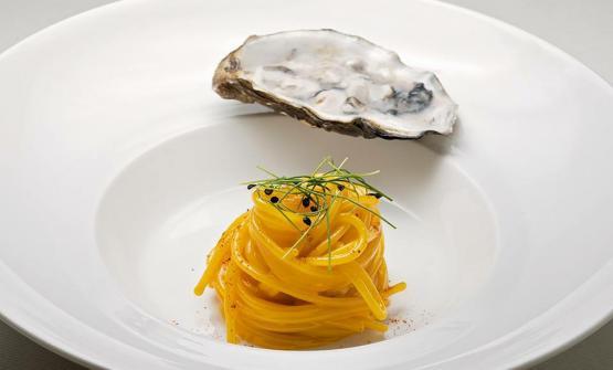 Vitantonio Lombardo, chef della Locanda Severino diCaggiano (Salerno), presenta un piatto che ben rappresenta la ricerca che conduce sulla storia della sua terra, per derivarne ricette contemporanee