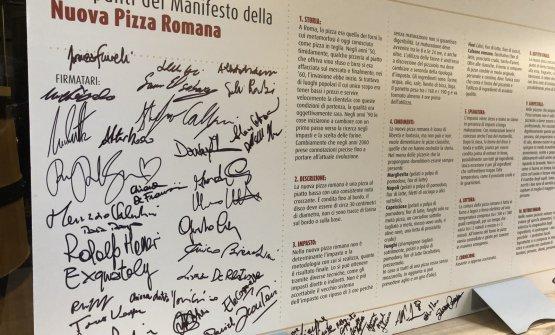 Il manifesto in 10 punti della Nuova Pizza Romana, siglato ieri all'Osteria di Birra del Borgo, in occasione del primo Pizza Romana Day
