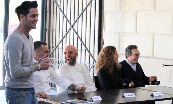 La conferenza stampa che ha presentato l'iniziativa: da sinistra Niccolò de Le Iene, Misha Sukyas, Matteo Monti, Valeria Sansone, Alberto Fontana