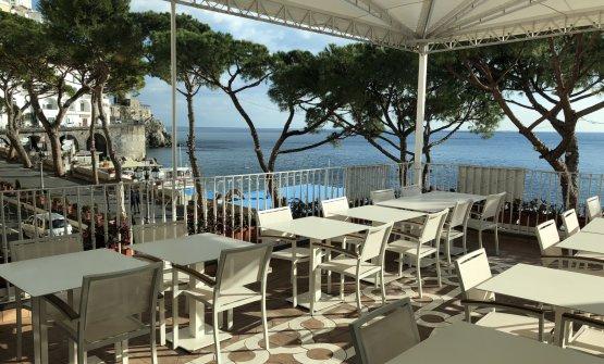 La sceonografica terrazza del ristorante Sensi di