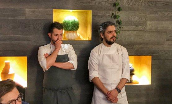 Matteo Baronetto, a destra, con il suo assistente,