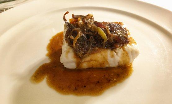 Branzino e coda di bue: uno dei primissimi piatti di Baronetto al Del Cambio, che tuttora resta un esempio mirabile di equilibrio