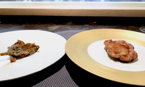 Confronto: Scaloppina al limone classica e rivisitata. A destra la ricetta tradizionale, a sinistra la scaloppina diventa una foglia di insalata glacialis in tempura con sugo di carne e limone