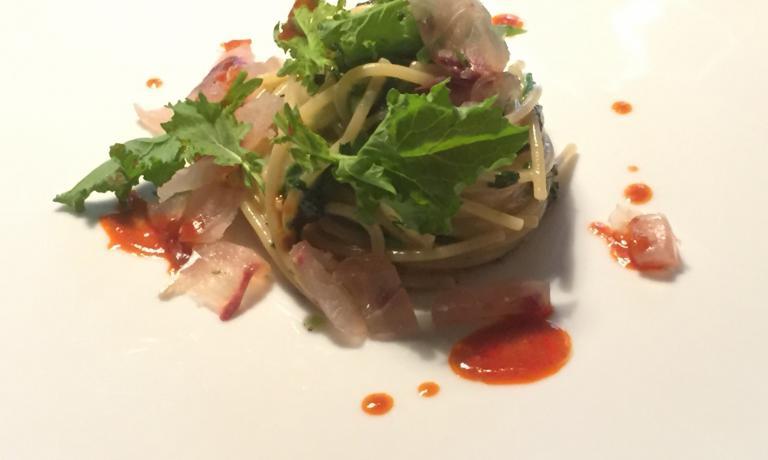 Spaghetto aglio, olio, sauro bianco affumicato e salsa di nduja