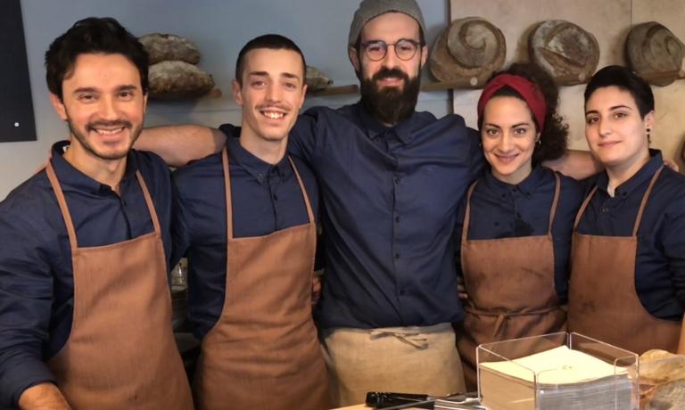 Lo staff di Crosta progetto di pane e pizza aperto da qualche giorno a Milano da Simone Lombardi (primo a sinistra) e Giovanni Mineo (al centro). E' una delle quattro novità della Guida di Identità Golose