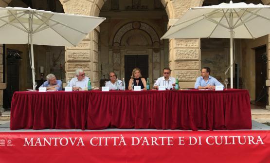 Il tavolo dei relatori: Malacarne, Santini, Paolini, Garibaldi, Montanari, Marchini