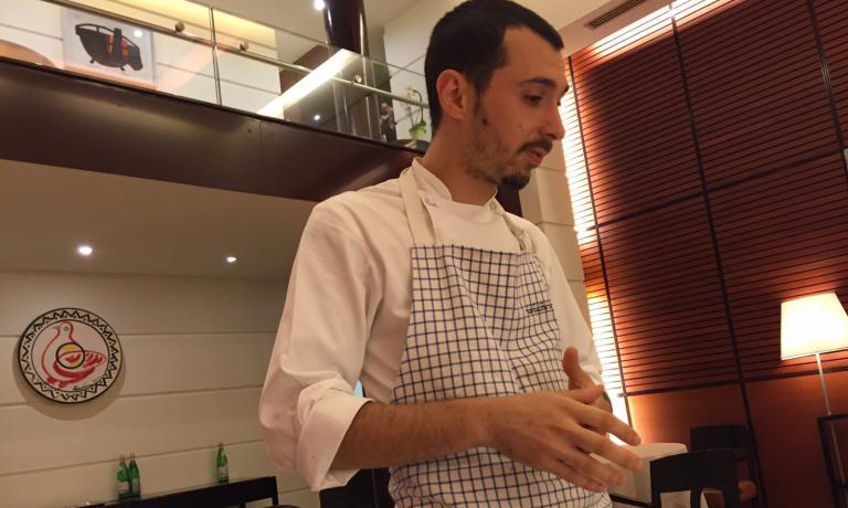 CREATIVO. Luca Sacchi: a Identità Milano 2015 propose anche un dolce con le capesante (foto Zanatta)