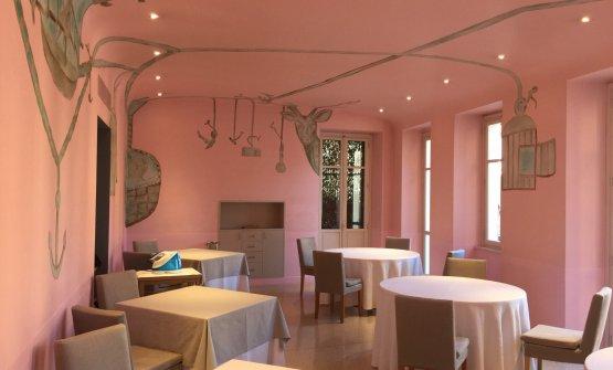 Lasala rosa, decorata daFrancesco Clemente