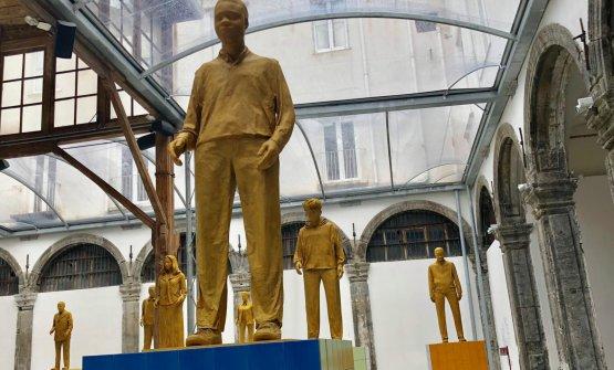 La statue di cartapesta diLiu Jianhua, mostra in corso allaChiesa di Santa Caterina al Formiello fino al 21 marzo 2019