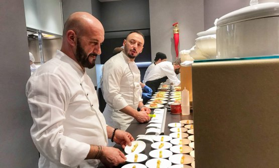 Enzo Florio al pass con il nostro resident chef, Alessandro Rinaldi