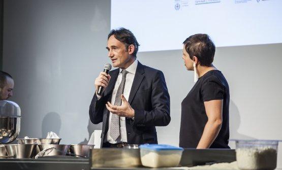 Piero Gabrieli con Francesca Barberini a Identità Milano