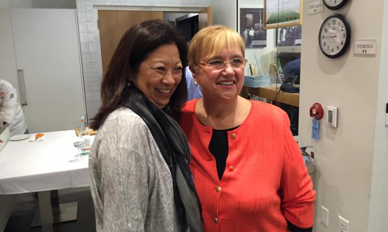 SO POPULAR. At the end of the lesson, Lidia Bastianich found time for the numerous fans, queuing for a photo
