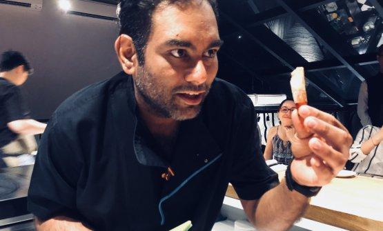Gaggan Anand, 39 anni, indiano di Calcutta. Nel 2010 ha aperto il ristorante Gaggan a Bangkok, in Tailandia, diventando numero 7 al mondo nella World's 50Best e numero 1 della 50Best Asia per 3 anni di fila. Da pochesettimane ha due stelle Michelin. Sarà relatore aIdentità Milano, domenica 4 marzo, ore 11.30 in Auditorium