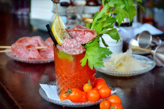 Lo speciale Bloody Mary di cui proponiamo la ricetta oggi è solo una delle tante preparazioni creative del barman Gianluca Amoni, dell'Officina Cocktail Bar di Milano, in via Giovenale 7 (tel. +39.02.36528713)