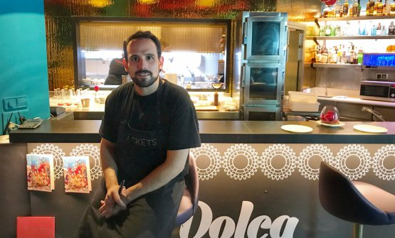 Fran Agudo, catalano, 30 anni. E' entrato come stagista da Tickets, ilpiù famoso ristorante dei fratelli Adriàa Barcellona. Dal 2014è stato affiancato ad Albert Adrià come chef