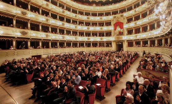 Il Teatro Ponchielli di Cremona, sede diA cena con il Maestro - Omaggio a Claudio Monteverdi, celebrazioni nel 450esimo della sua nascita,in collaborazione conEast Lombardy