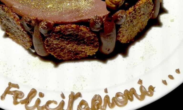 La torta che Marcello Trentini, chef del Magorabin di Torino, ha preparato per festeggiare le nozze di Renato e Sergio