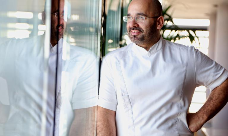 Non solo Funky Gourmet: nuovi indirizzi di cucina creativa arricchiscono il panorama gastronomico della capitale greca. Su tutti, Hytra, dello chefAnastasios Mantis (nella foto), reduce da esperienze formative in alcuni dei più celebri indirizzi europei