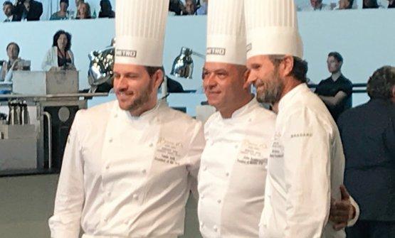 I tre presidenti della giuria. Da sinistra l'unghereseTamas Szell, vincitore della finale europea 2016, Jerome Bocuse, figlio del grande Paul, e Carlo Cracco