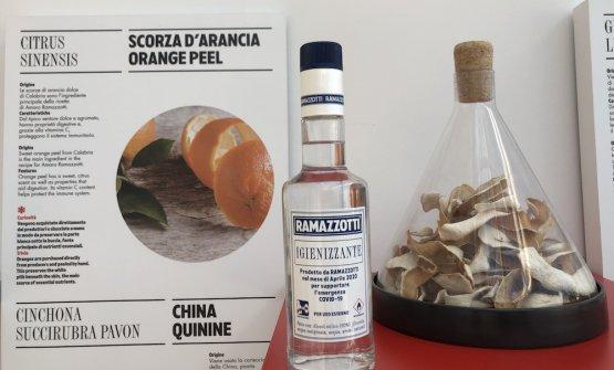 L'igienizzantecontiene dellascorza d'arancia di Calabria, lastessausataper l'amaro