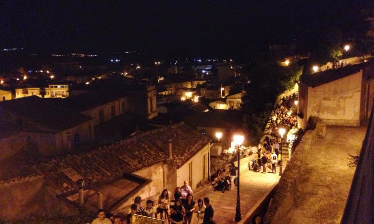 Uno scorcio del Quartiere dell'Orologio di Palazzolo Acreide, che ha ospitato la prima edizione di Vicoli&Sapori
