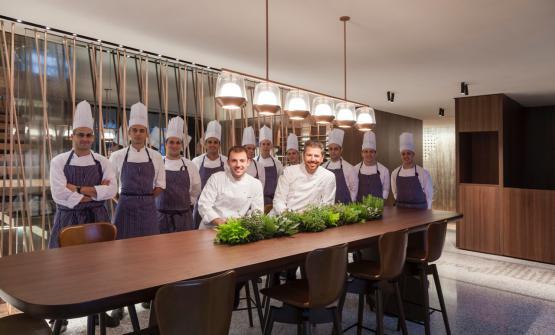 Andrea Berton (a destra), con Raffaele Lenzi, napoletano, executive chef diBerton al lago de Il Sereno hotel, nuova avventura del cuoco friulano aTorno (Como), telefono +39.031.5477800