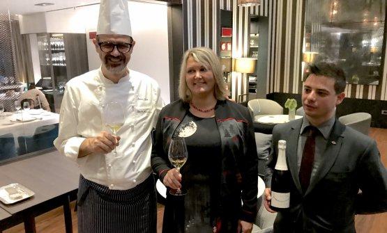 Antonio Guida e Andrea Loi con la proprietaria di Maison Bourdelois Raymond,Audrey Renoir