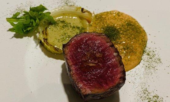 Carne arrosto e insalata